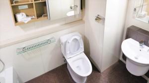 トイレから下水の臭いが!原因と簡単にできる対処法とは?